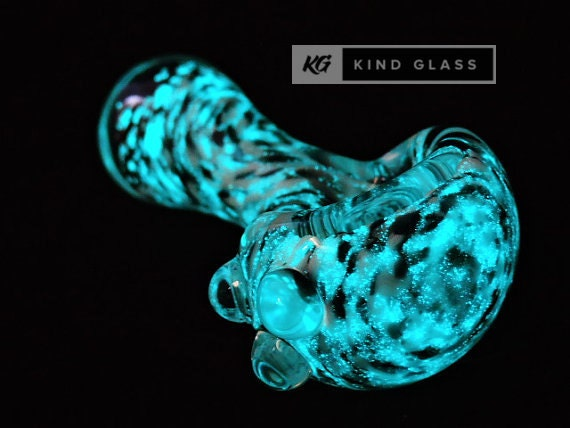 Finest Glass Smoking Pipe, Glass Pipes, Glow in the Dark, Smoking Bowl  BA31