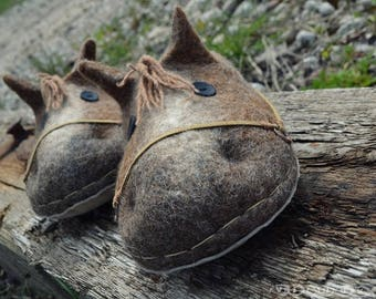 Wool felted slippers horse #clog style #horserider #slippers #shoese