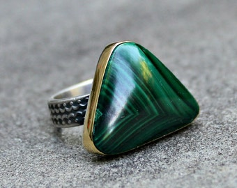 Malachite Ring - Gold Bezel Malachite Ring - Gold Silver Ring - Patterned Band Ring - Triangle Stone Ring - Green Stone Ring - 18 KT Gold