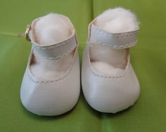 White Leather Mary Jane  Doll Shoes  Vintage Doll Shoes- Size 5
