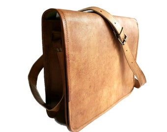 Classic Traditional Messenger Bag