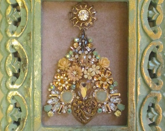 Jeweled Framed Jewelry Art Christmas Tree Pale Green Beige Amber Vintage