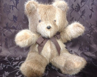 Teddy bear from Beaver, beaver, Beaver, 15 inch Oso bears, 38 cm.
