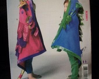 Kwik Sew K3961 Fairy Hood Play Blankets. One  size.