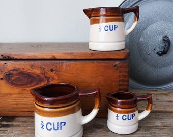 1970s Vintage Set of Stoneware Ceramic Pottery Measuring Cups Pitchers - Farmhouse Kitchen Decor