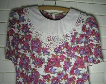 90's Floral Lace Collar Dress size M-L