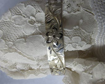 BRACELON LTD. Sterling Silver Bangle Bracelet Hinged Engraved & Brushed Patent no. 1167637 vintage 70's