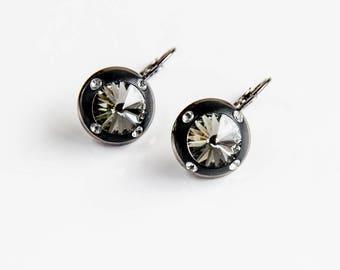 Grey drop and dangle earrings, Gray earrings, Grey Swarovski earrings, Grey black crystal earrings, Grey black Swarovski earrings
