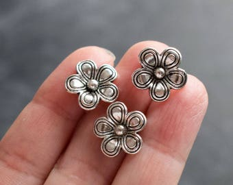 25 beads flower antique silver, 15mm in size