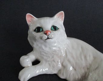 Beswick White Porcelain Reclining Persian Cat Figurine