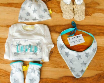 READY TO SHIP -Baby Gift Set Organic  Gender-neutral Stars in Grey and White Baby Vest Booties Bib Hat and Mittens