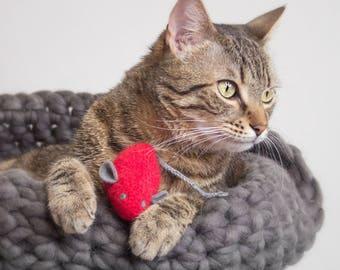 Cat Toys. Catnip Toy. Catnip Mouse. Valentine Gift. Red Cat Toy. Organic Cat Toy. Red Mouse. Organic Catnip. Cat Toy. Felt Mouse.