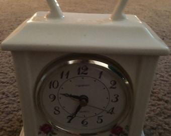 Vintage Windup WHITE CLOCK