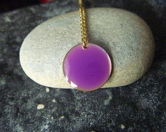 gold necklace and colors: purple