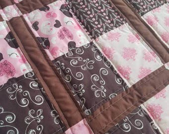 SALE!! Hearts and Flowers Baby Quilt