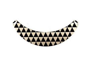 Bib metal TRIANGLES black design