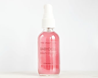 Sweet body mist with strawberry, jasmine and bubblegum, 100% natural and vegan --- Babydoll