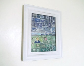 Paysage timbre-poste Wall Art abstrait | Bleu-vert encadré Office Art, décor éclectique | OOAK recyclé Art Collage | Timbre Collector cadeau