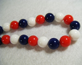 Vintage 60's Red White & Blue Beaded Necklace