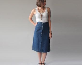 SALE denim skirt   a line button liz claiborne skirt   1980s small