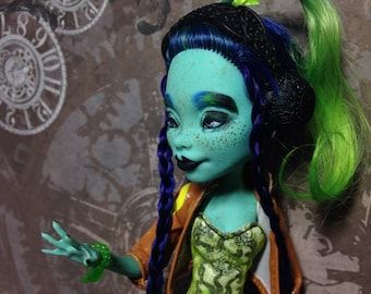 Monster High repaint doll by Dokta Art free shipping doll sale !