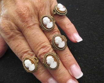 SALE>>Beautiful CAMEO ring>> vintage 1950's, new old stock>> This is a very affordable piece of costume jewelry, adjustable in size