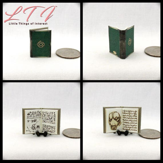 Dr. MARU'S NOTEBOOK Dollhouse Miniature Book 1:12 Scale Wonder Woman Dr. Poison Dc Comics Isabel Maru WWII