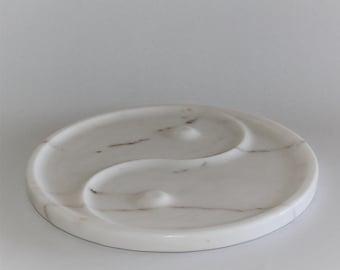Marble plate yin yang
