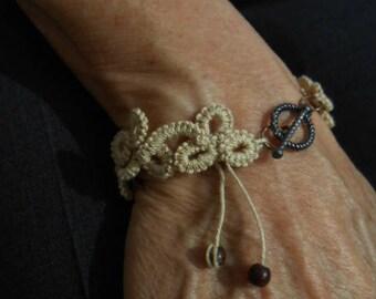 Ecru tatting lace bracelet for women