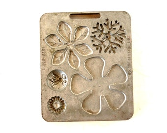 Vintage Fun Flowers Creepy Crawler Mold for Mattel Thingmaker #4520-057 (c.1966) - Collectible Toy, Flower Mold, Curio Cabinet Oddity