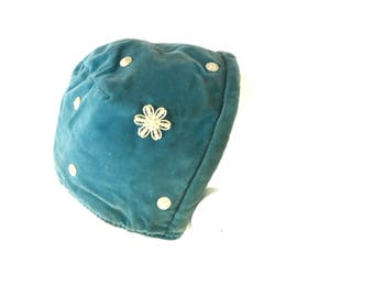 1950s Teal Velvet Childrens Cap Adorn With Plastic Snowflake Buttons