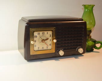 General Electric Tube Alarm Clock Radio/Model 50