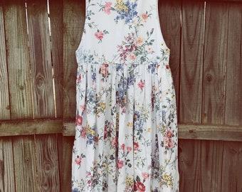 90's Vintage Floral Dress w/ Pockets