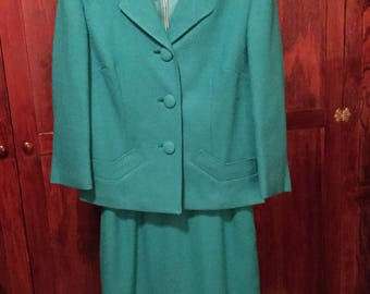 SPRING SALE! Striking emerald green vintage 1950s women's jacket and skirt/suit (A283)