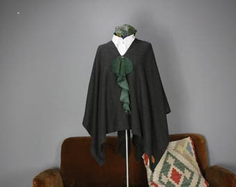 JOZELA ruffled green poncho