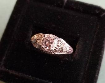 14kt vintage engagement ring Size 7.5 *PRICE REDUCED*