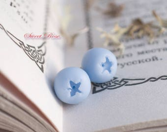 SALE The Blueberry earrings Cold porcelain berries Realistic berry studs Rustic jewelry Leaf studs Forest jewelry Blue earrings