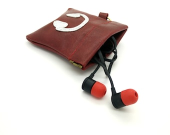 Earbuds Leather Squeeze Carrying Case.