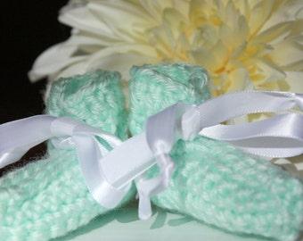 Green Preemie Baby Booties - Crocheted Baby Booties - Baby Gift
