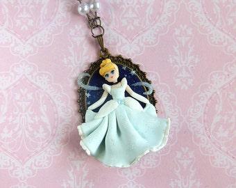 Cinderella Cameo Necklace / Cinderella Necklace / Polymer Clay Jewelry / Fimo Jewelry / Princess Necklace / Princess Jewelry
