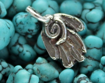 Little Hand with Spiral Charm a Ricci Worth Design CH08
