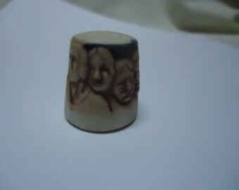 Vintage Mount Rushmore Thimble Signed Numbered 75 /1000, collectable