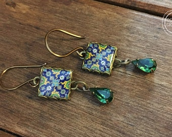 Islamic tile design earrings, Islamic Folk art, Middle Eastern Pottery design, Dangle earrings, long earrings, Green crystal