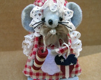 4th of July Americana Felt Mouse Firecracker Gray Mice holidng Firecracker and Prim Heart
