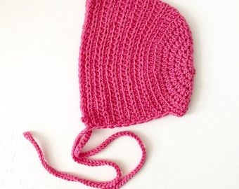 Vintage baby bonnet in pink cotton merino