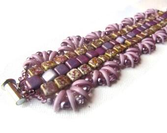 Beadwork bracelet for her - unique pattern light purple bead jewelry fashion bracelet - Beadwoven Bracelet - Czech glass bead bracelet