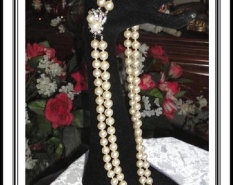 Chains of White Pearlescent Beads Necklace - Fabulos Vintage Faux Pearl Necklace w Rhinestone Clasp  2097-020617025