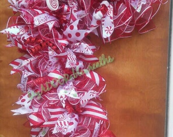 Candy Cane Wreath, Christmas Deco Mesh Whimsical Wreath, Christmas Candy Cane Wreath, Holiday Candies Wreath, Candy Cane Form Wreath, XL