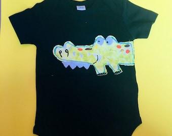 6-12 short sleeve organic onesie with gator