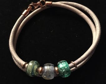 Leather bracelet with Murano glass